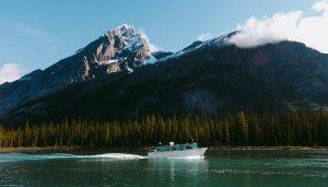 Maligne cruise boat mountains